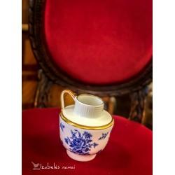 JAEGER balto, bavariško porceliano vazelė-ąsotėlis, dekoruota kobaltu