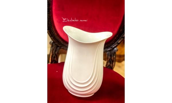 KONIGL. PR. TETTAU balto porceliano vaza