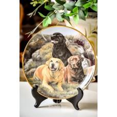 """KOLEKCINĖ, limituoto leidimo porceliano lėkštė """"Beloved Companions"""""""