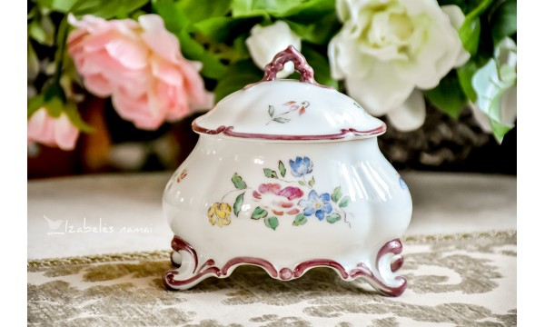 THOMAS BAVARIA rankomis tapyta, balto porceliano dėžutė