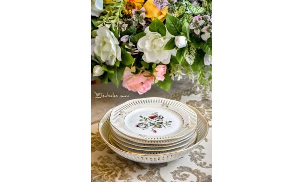 WINTERLING (ROSLAU) antikvarinis, balto porceliano su perlamutro žvilgesiu, lėkščių ir dubens komplektas