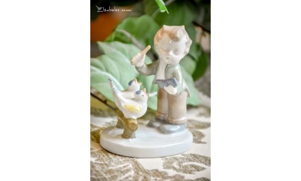 GDR balto porceliano statulėlė