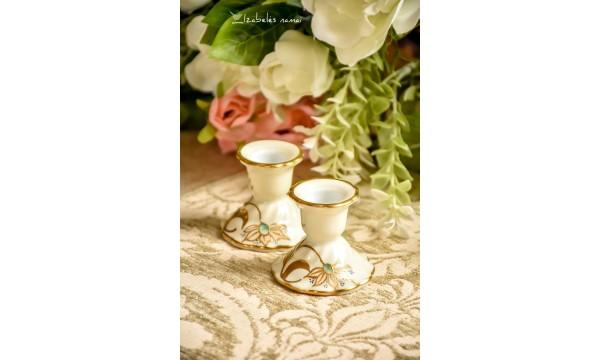 OSCAR SCHLEGELMILCH rankomis dekoruotos, kreminio porceliano žvakidės, 2 vnt.