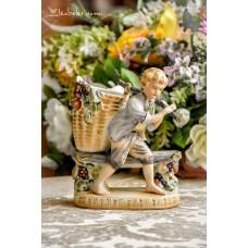 BISKVITINIO porceliano statula su vazele