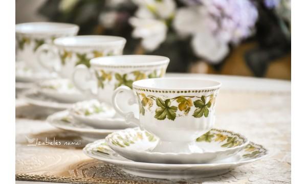 ESCHENBACH porceliano puodelis su dviem lėkštelėmis (trio)
